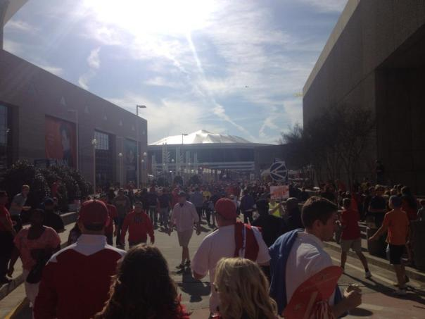 The scene ad I approached the Dome Saturday afternoon. Click to enlarge.