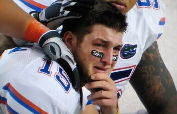 452__600xfloat=center_tim-tebow-photos-crying-banner